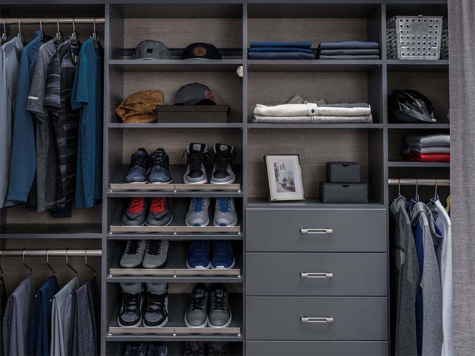 reach-in closets built-in drawers