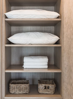 small-space-linen-closets-3